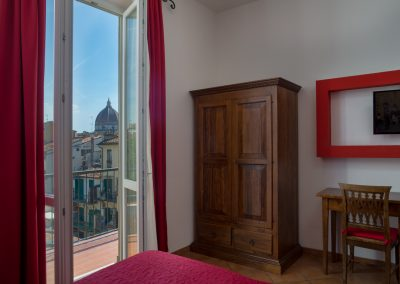 camera-matrimoniale-superior-balcone