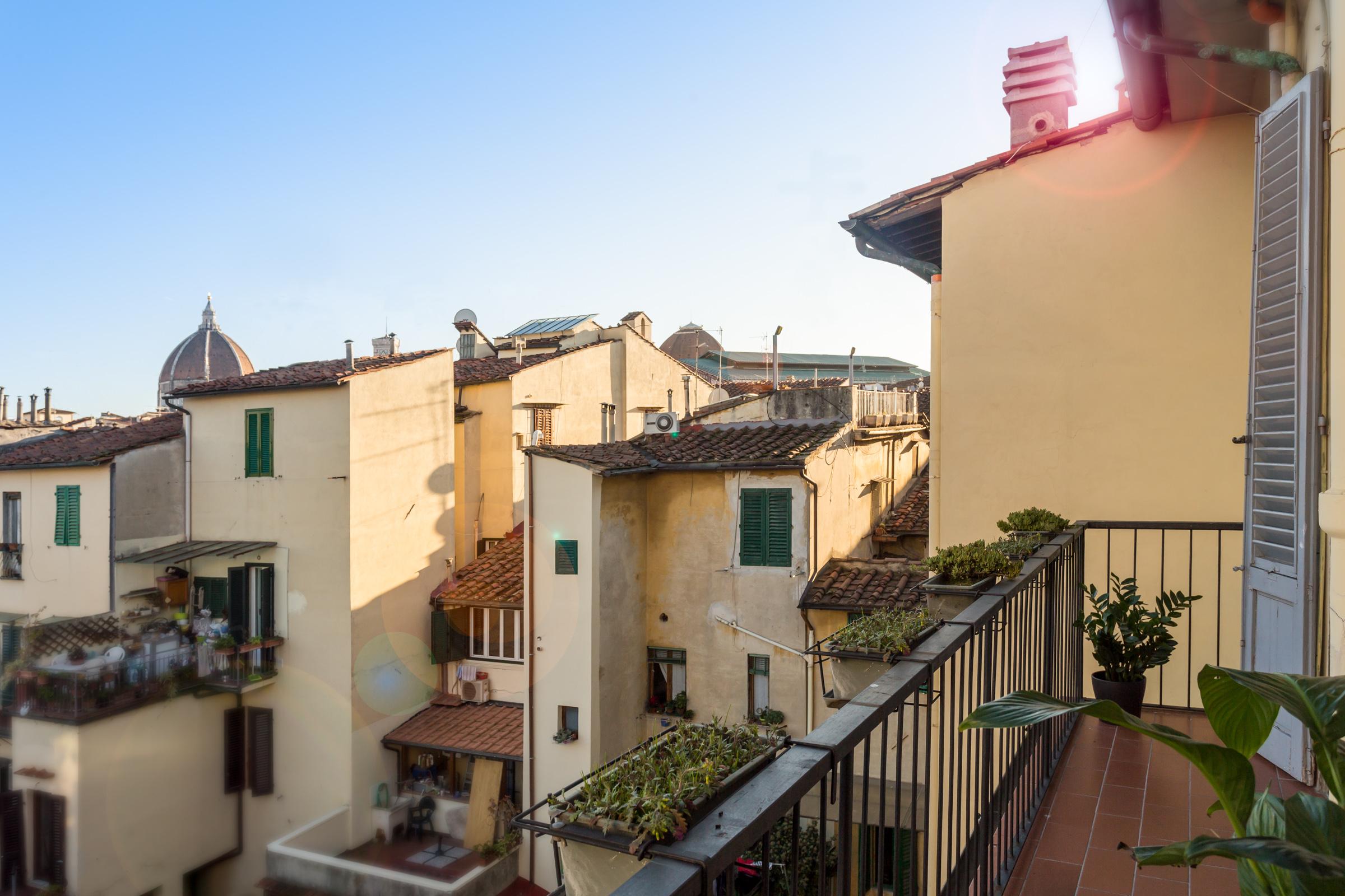 vista-balcone-camera-matrimoniale